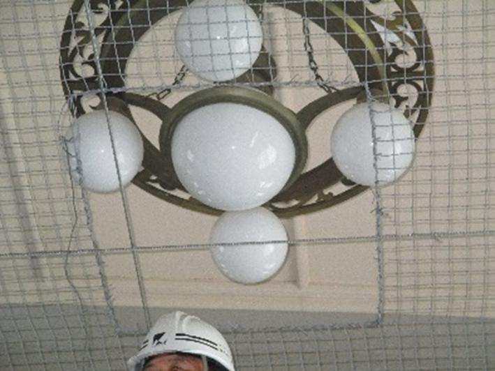 明石小学校体育館既存天井用防護ネット柵工事