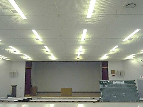 防護ネット柵取付後状況の教室