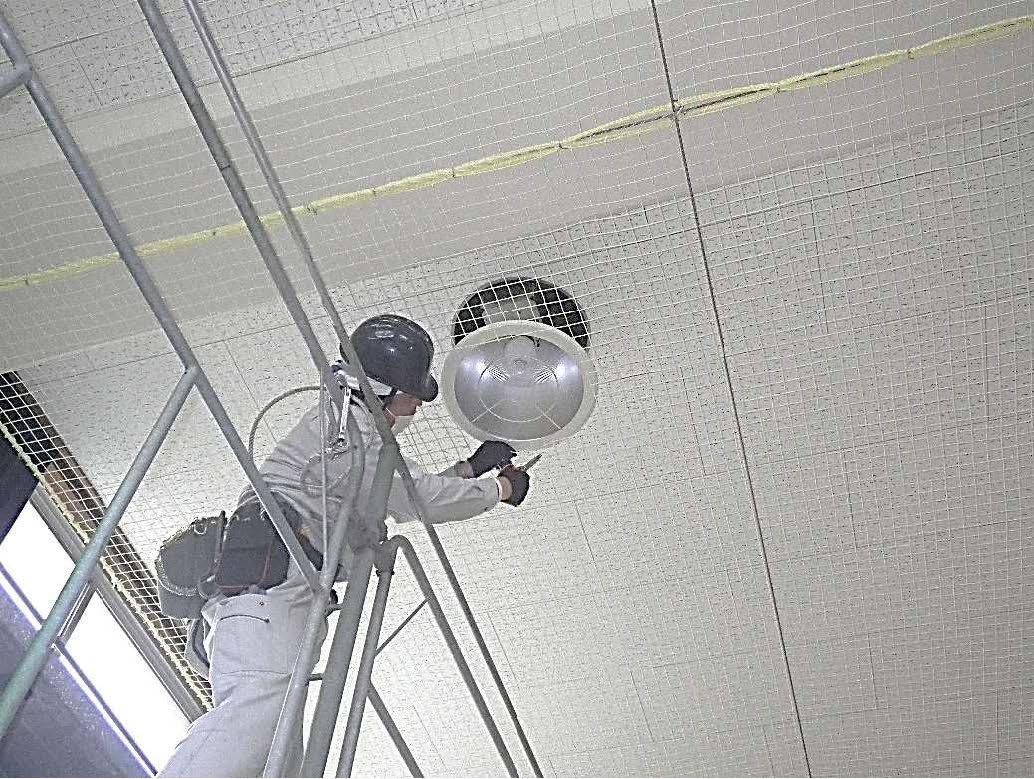 天井防護ネット工 ネット補正状況