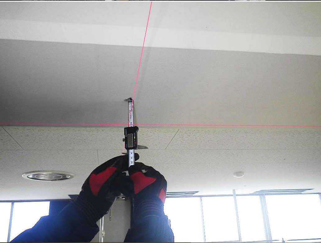 天井防護ネット工 アンカー打設状況 位置お出し