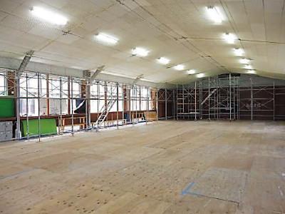 茨城県立古河第三高校  格技場 防護ネット設置後