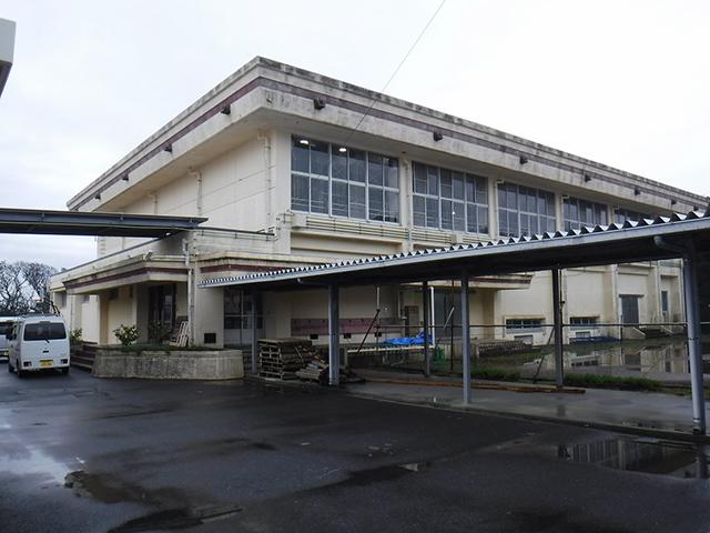 大島第三中学校体育館